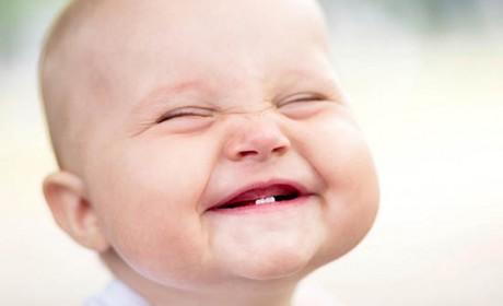 Creşterea dinţilor la bebeluşi