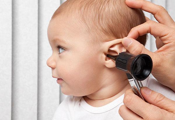 Infecţia la ureche – simptome şi tratamente