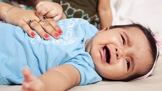 durere de stomac bebelus