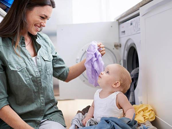 Ce detergent să folosim pentru hăinuţele bebeluşului?