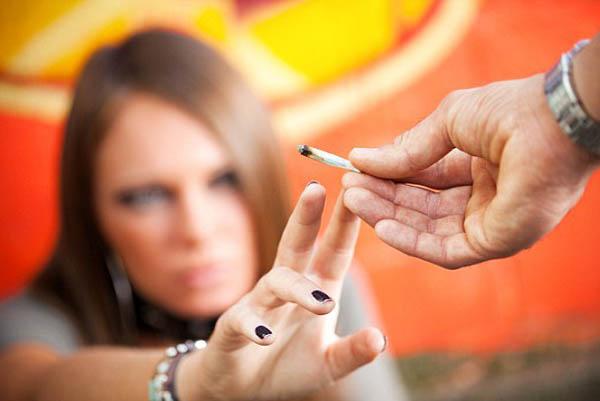 adolescenti care fumeaza