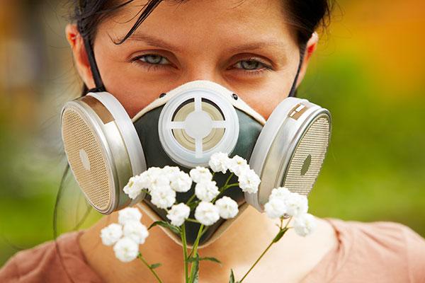 Tratamente naturiste pentru alergia la polen