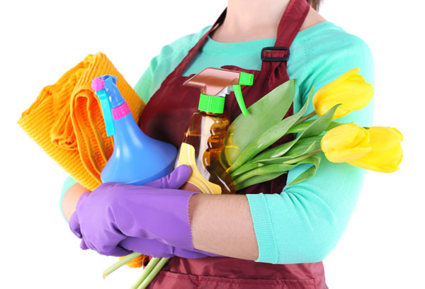 Trebuie să ne ferim de produsele de curăţenie când suntem însărcinate!