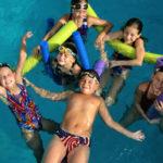Înotul-dezvoltă-copiii-într-un-mod-armonios