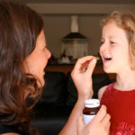 Este-bine-să-le-dăm-copiilor-vitamine