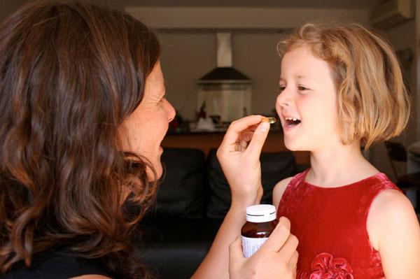 Este bine să le dăm copiilor vitamine?