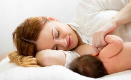 Alăptarea bebeluşului în primele zile