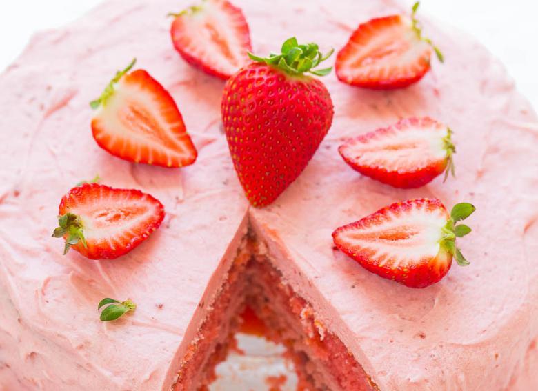 Prăjitura cu căpșuni